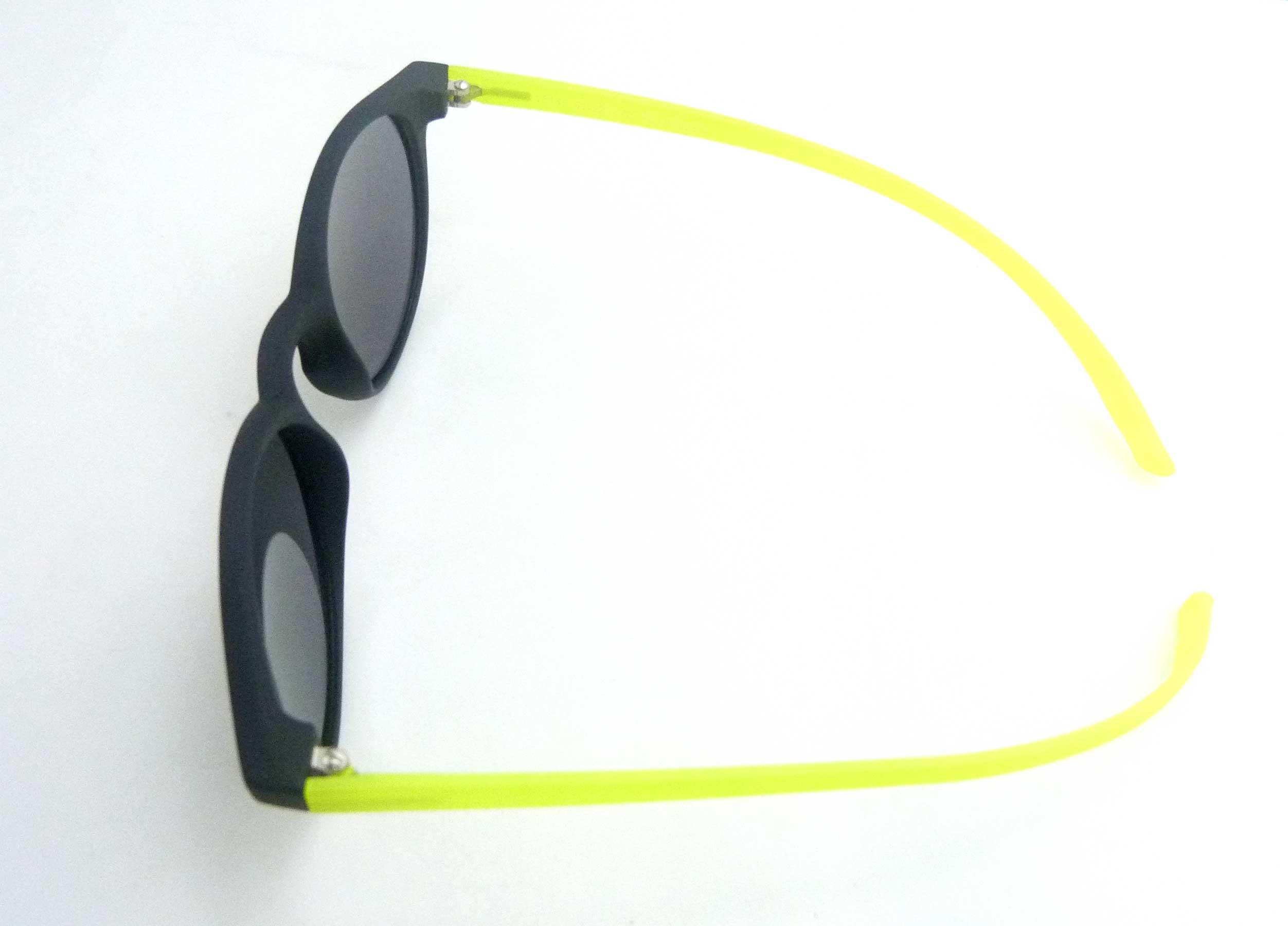 0215095 - Óculos-Solar CS Koala 52x17 Preto/Verde Mod 15095 FLAG 9 - Contém 1 Peça